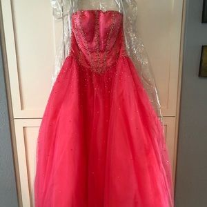 Tiffany Design Prom Ball Gown